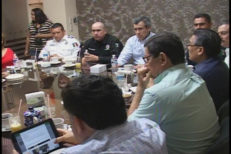 Director de seguridad pública se reúne con empresarios