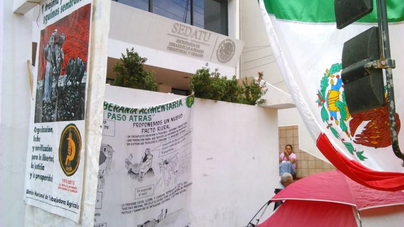 Exigen en SEDATU entrega de recursos para construcción de vivienda
