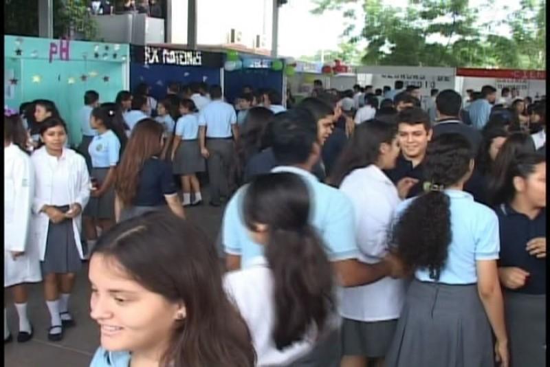 Se realiza Expo Ciencias en La José Vasconcelos