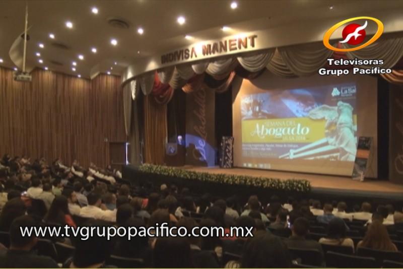 Inaugura Secretario del Ayuntamiento Semana del Abogado 2014