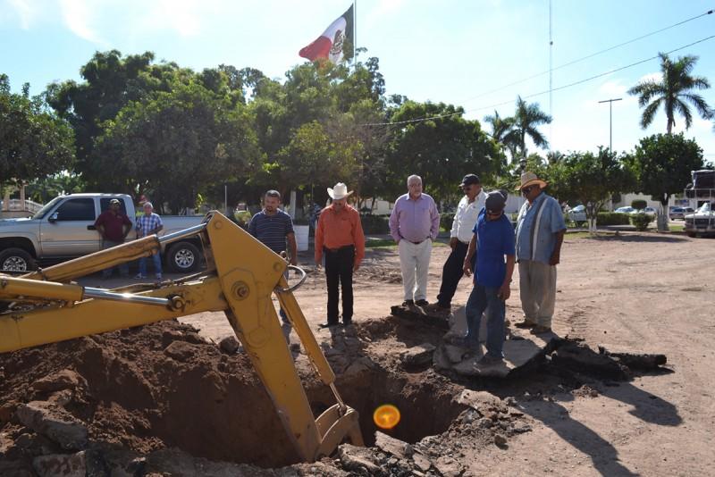 Continúan obras de pavimentación en Bácum