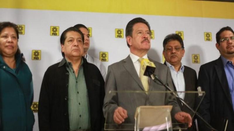 Navarrete invita a Cárdenas a debatir