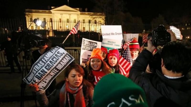 'Sí se pudo', claman cientos de migrantes frente a la Casa Blanca