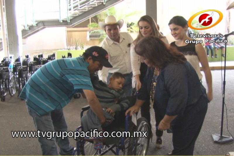 Suma DIF-Cajeme más apoyos para familias con necesidades especiales