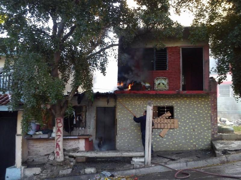 Se incendia vivienda
