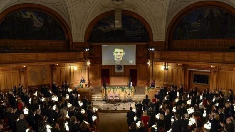 Snowden recibe el Nobel Alternativo