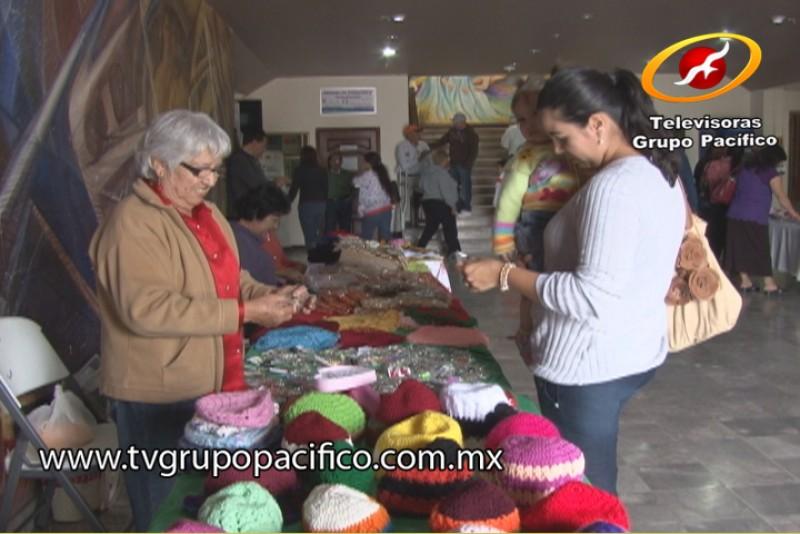 Abuelitas del Inapam ponen en venta sus productos