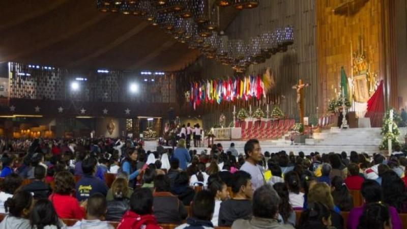 Cantan Las Mañanitas a la Virgen de Guadalupe