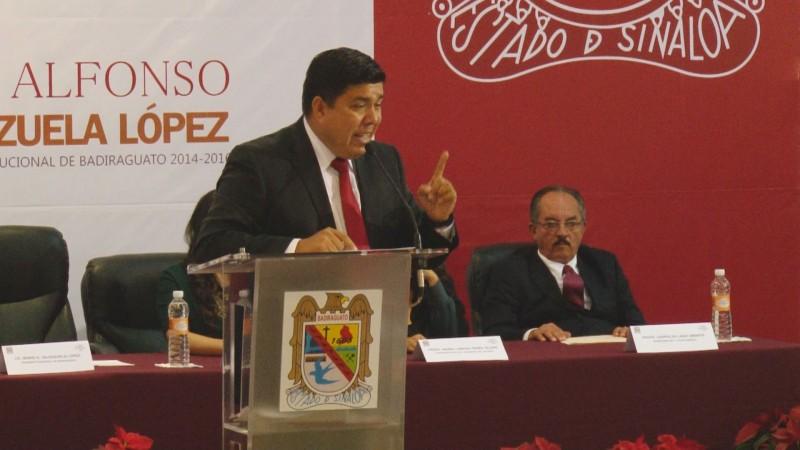 Pondera Mario Valenzuela infraestructura carretera en Badiraguato