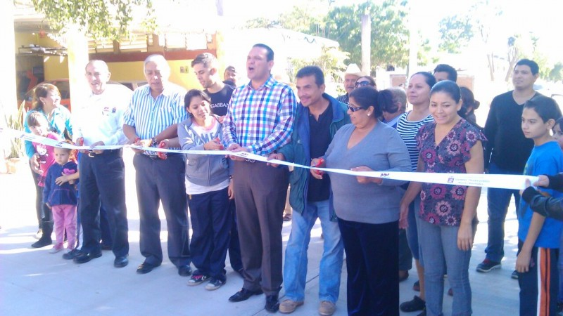 Inauguran 12 calles más en Culiacán