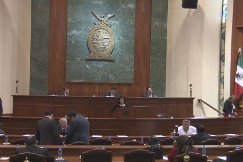 Discuten diputados presupuesto estatal 2015