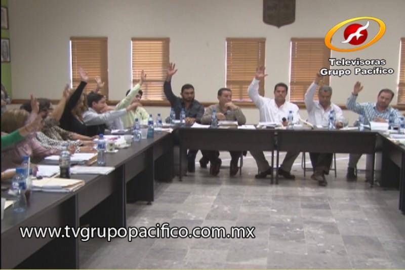 Invita Secretario del Ayuntamiento a denunciar funcionarios