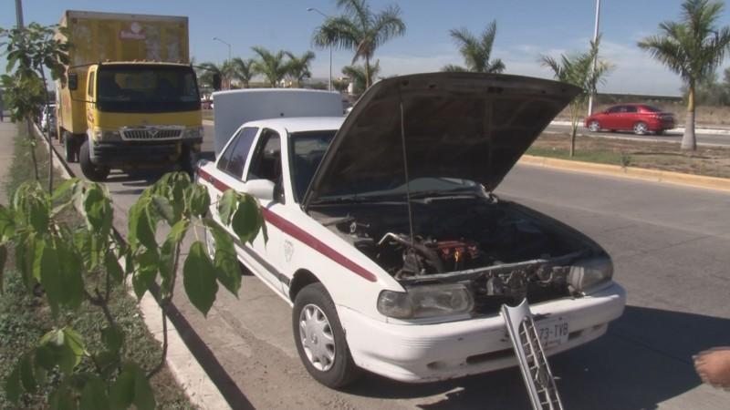 Denuncia robo de baterías, en bulevar Alfonso G. Calderón