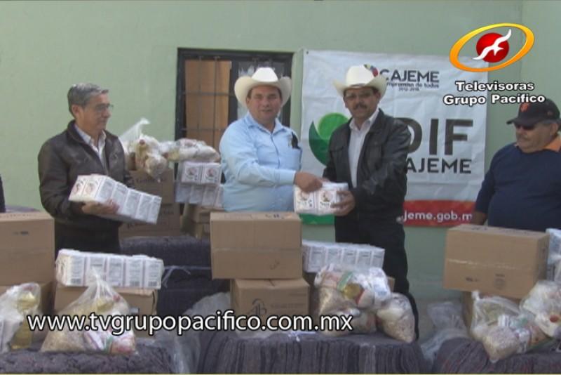 Para protección del frío entrega DIF paquetes de ayuda humanitaria