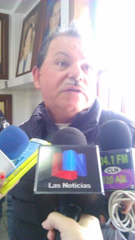 Alejandro Higuera no deja CONALEP