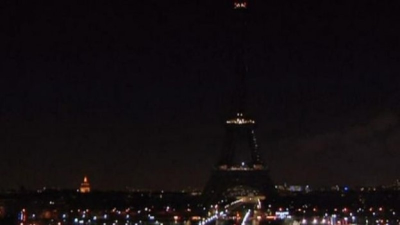 Se apaga la Torre Eiffel por víctimas de ataque en París