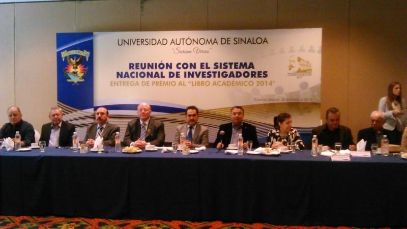 Se comprometen investigadores con la UAS