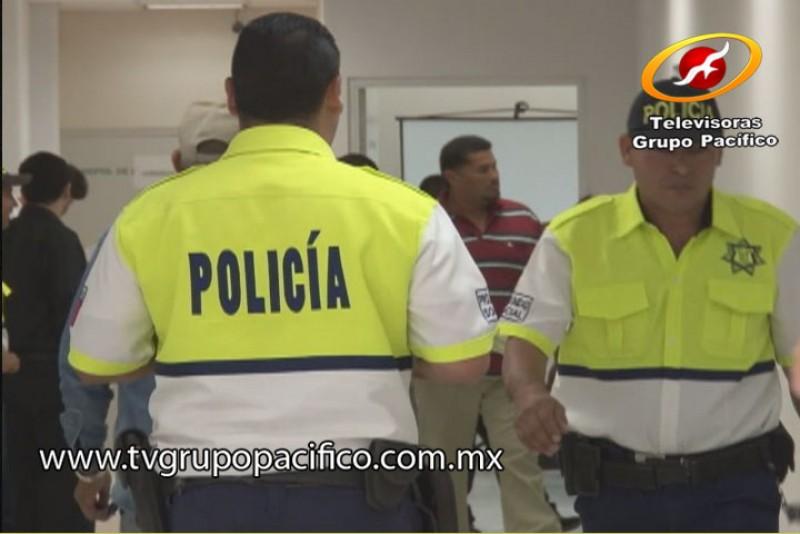 Propone mejoras en profesión y vida de los Policías