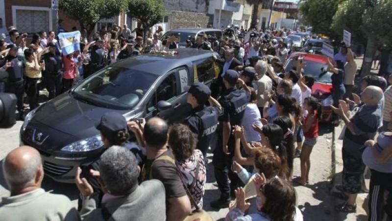 Nisman, enterrado como el último mártir del atentado contra la AMIA
