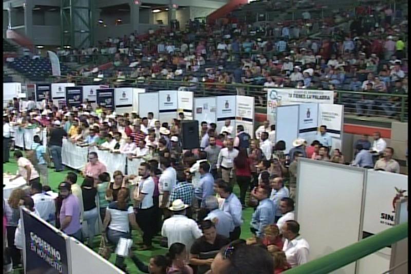 Ayuntamiento de Ahome capta 3. 9 mdp por predial en gobierno en movimiento