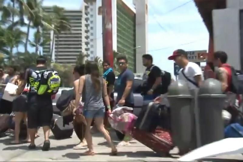 Festejos de padres y turistas generan derrama económica en Mazatlán