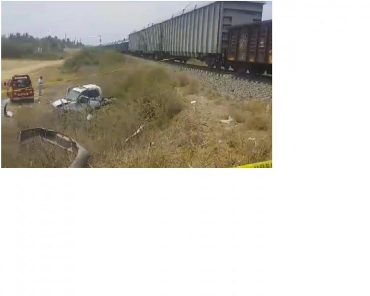 Dos personas mueren en trenazo en celestino gasca for Villas tortuga celestino gasca sinaloa