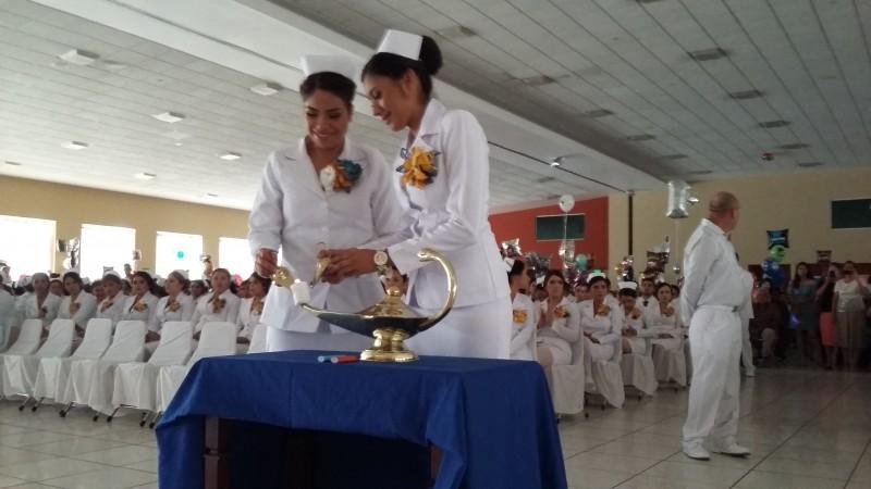 Se graduan licenciadas en enfermeria de la UAS