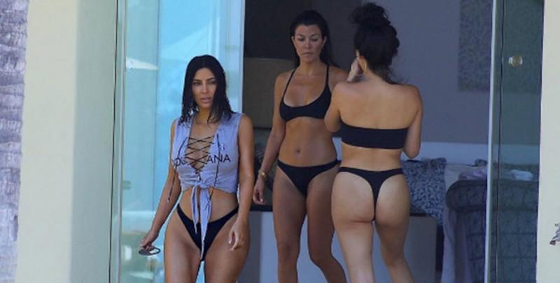 Kourtney Kardashian Festejó Su Cumpleaños Desnuda En México Lo