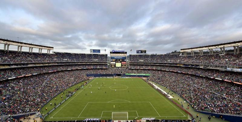 El famoso 'grito homofóbico' causa conflicto entre los aficionados al fútbol