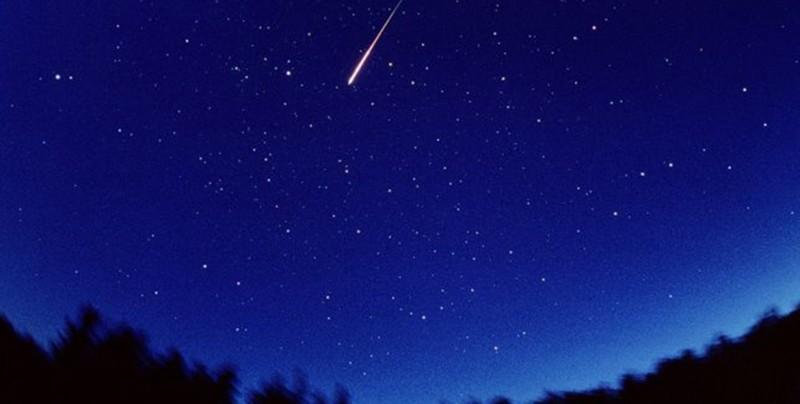 No dejes de ver el cielo esta noche, habrá lluvia de meteoritos