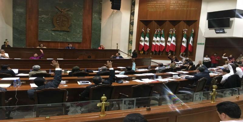 Diputados acuerdan donar alrededor de 9 mil pesos para becas