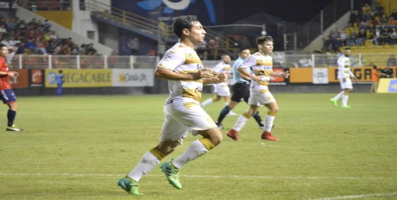 RAYADOS: Se estrena Lucas Albertengo con Rayados