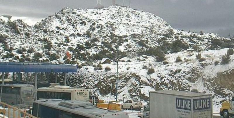 Cae nieve en autopista La Rumorosa-Tecate, en BC