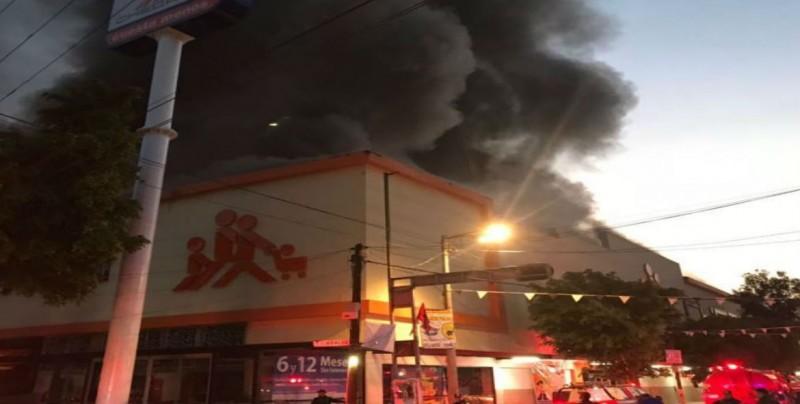 Se incendian un supermercado en GAM y un mercado en la Doctores