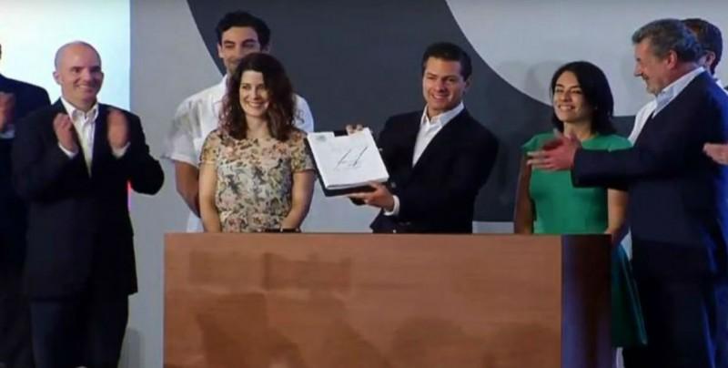Peña Nieto firma promulgación de Ley Fintech