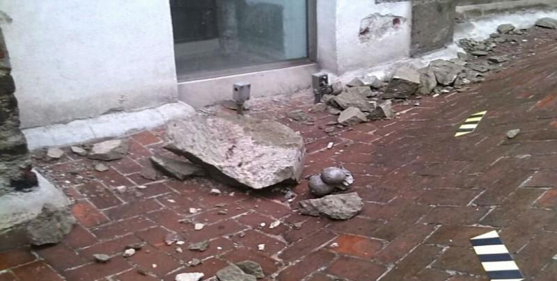 Cayó un rayo en la torre oriente de la Catedral metropolitana
