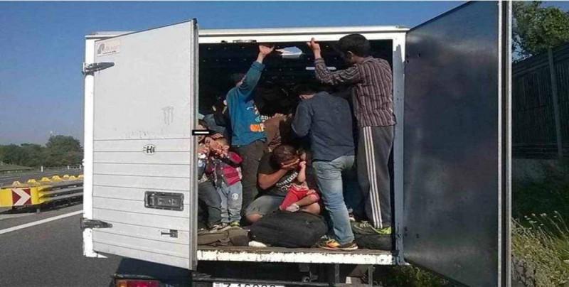 Condenan a prisión a un camionero que traficaba con inmigrantes en Texas