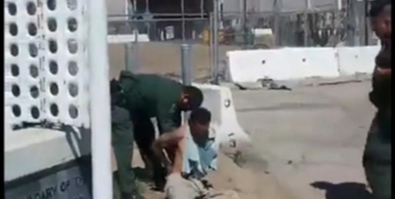 "#Video Agentes intentan expulsar a hombre que ""parecía mexicano"""
