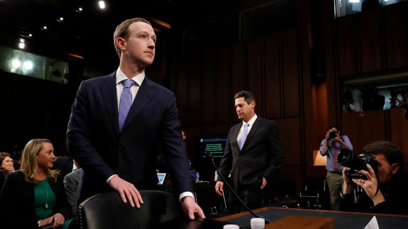 Zuckerberg confirma que Cambridge Analytica accedió a sus datos de Facebook
