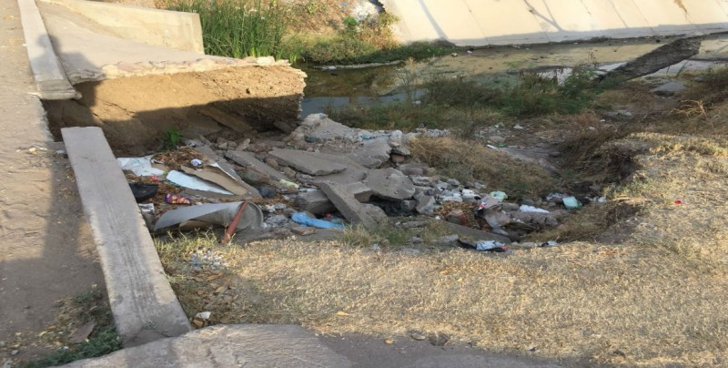 Cada vez más se destruye loza de concreto en arroyo