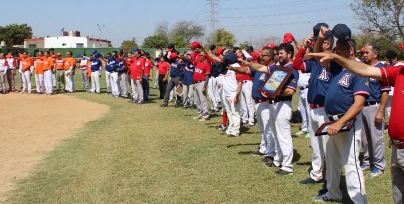 Inauguran Liga de Softbol Villa Universidad