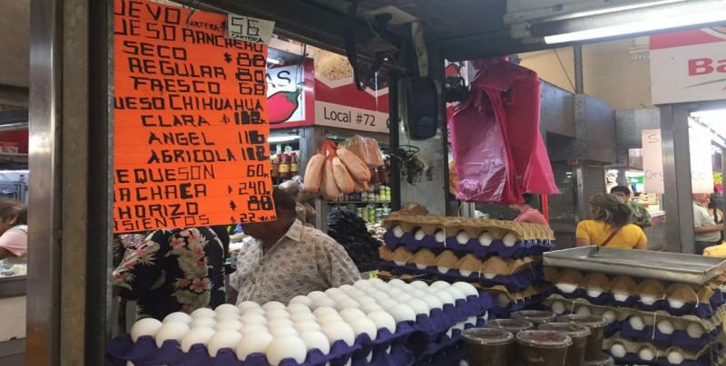 Baja 2 pesos el precio del huevo