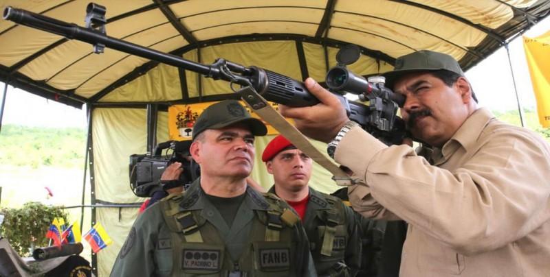 """Maduro tomará las armas si llega un Gobierno que ofrezca riquezas a """"gringos"""""""