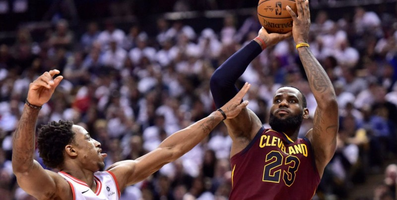 Cleveland vence a Raptors en el Juego 2