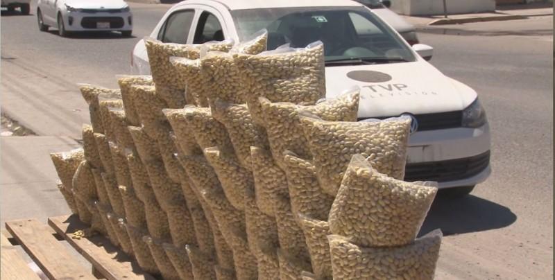 Productores venden su frijol al menudeo por desespero