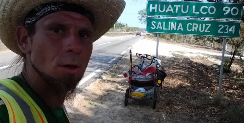 Hallan cadáver de ciclista polaco y buscan a un alemán en México
