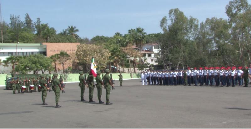 Jóvenes del SMN juran lealtad a la bandera