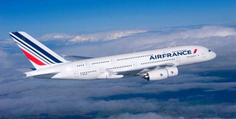 Air France entra en crisis y se desploma en bolsa por el conflicto social