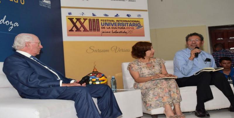 """Conversatorio: """"La extraña musa de Jaime Labastida o cómo convertirse en poeta"""""""