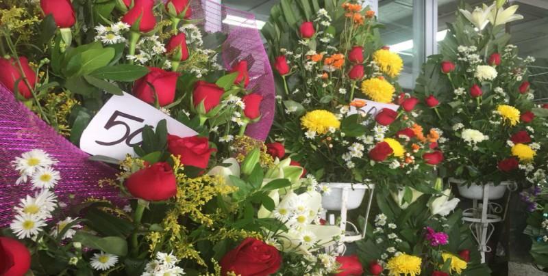 Listos en Mercado de las flores para este día de las madres